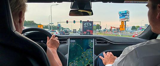 Rijvaardigheidstraining Tesla, Elektrische Auto, speciaal voor zakelijke rijders